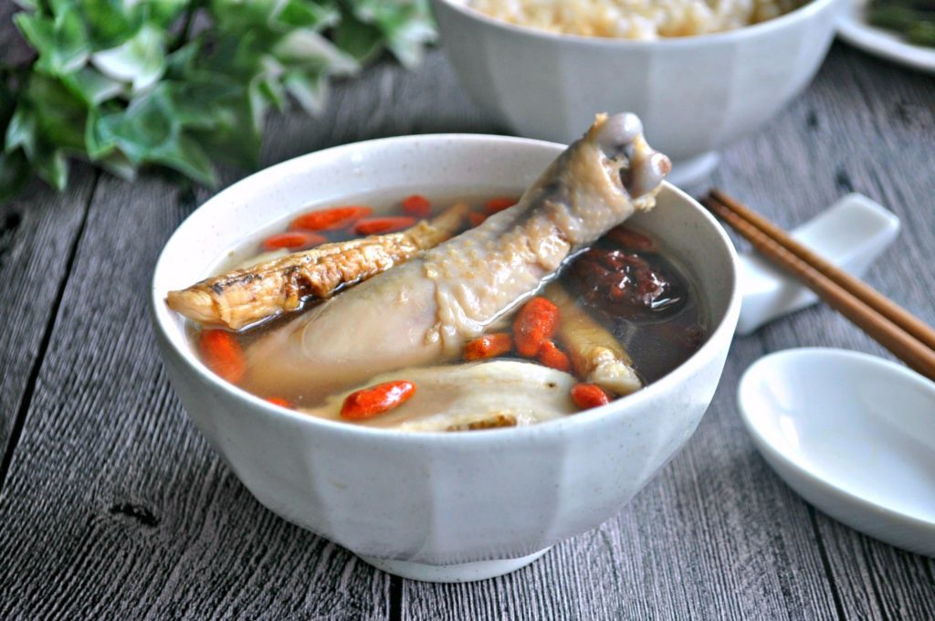 Chinese herbs longevity soup
